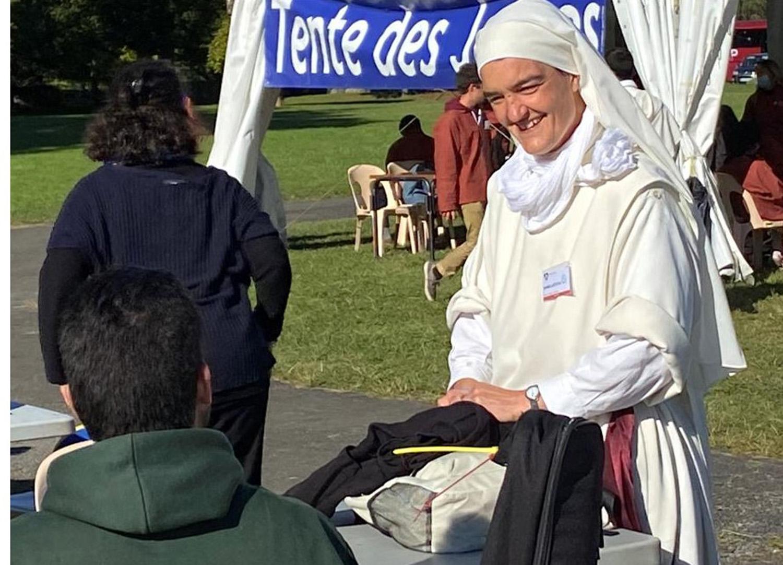 Tente des jeunes Rosaire 2